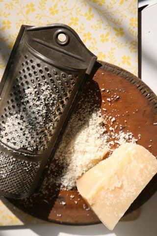 httpswww.saveur.comsitessaveur.comfilesimport2008images2008-03634-Italian_pantry-parmigiano_9_480.jpg
