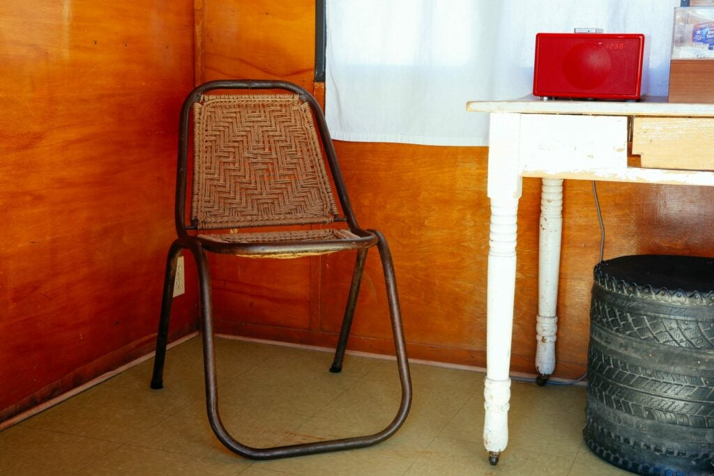 Vintage rope chairs are serious space savers