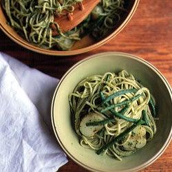 Trenette col Pesto Genovese (Linguine with Pesto)