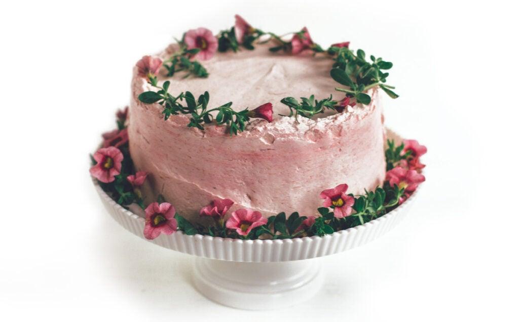 httpswww.saveur.comsitessaveur.comfilesimport20142014-07gallery_birthday-cake-sarah-kieffer_edit_1200x800.jpg