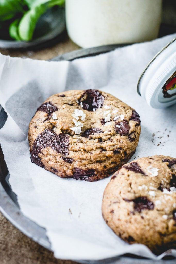 httpswww.saveur.comsitessaveur.comfilesimport2013SWL_topwcinnamon_best-chocolate-chunk-cookies_700x1050.jpg