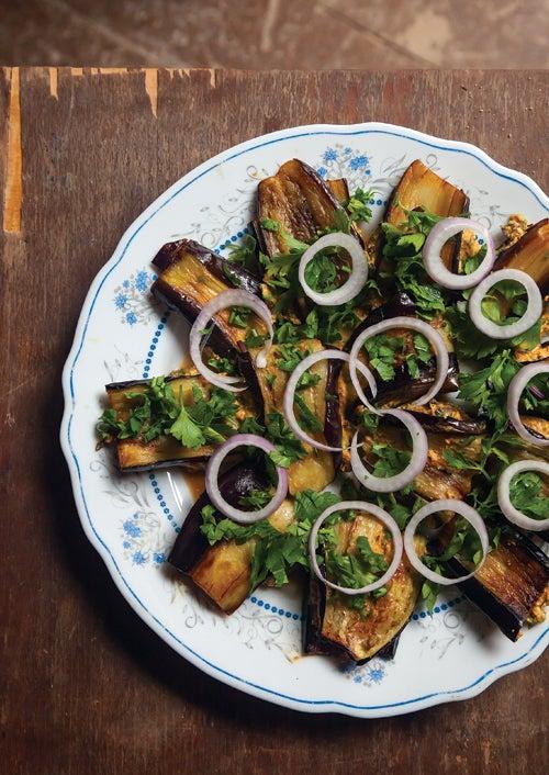 Fried Eggplant with Walnut Sauce (Badridzhani Nigvsit)hinese Spicy Garlic Eggplant (Yu Xiang Qie Zi)