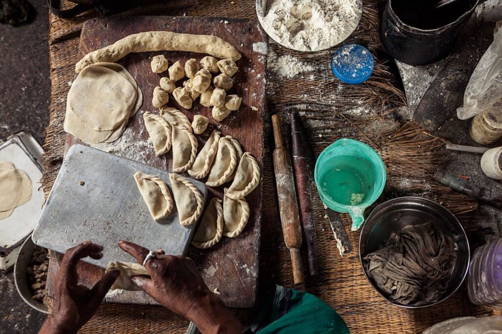 feature_east-india_santinitiketan-sweets-maker_1200x800.jpg