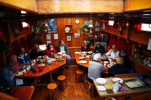 httpswww.saveur.comsitessaveur.comfilesimport2014article_schooner-dining_640x426.jpg