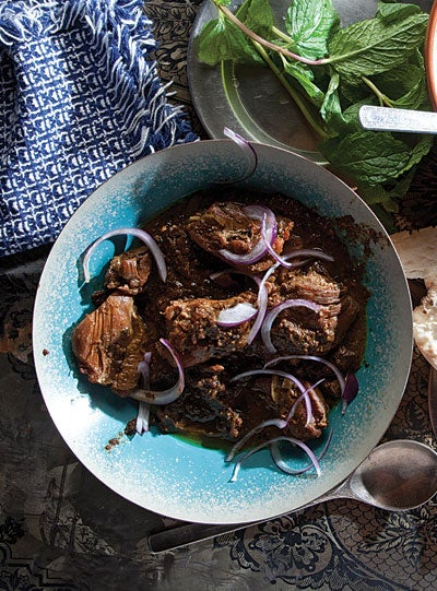 Chicken and Walnut Stew (Khoresht-e Fesenjan)