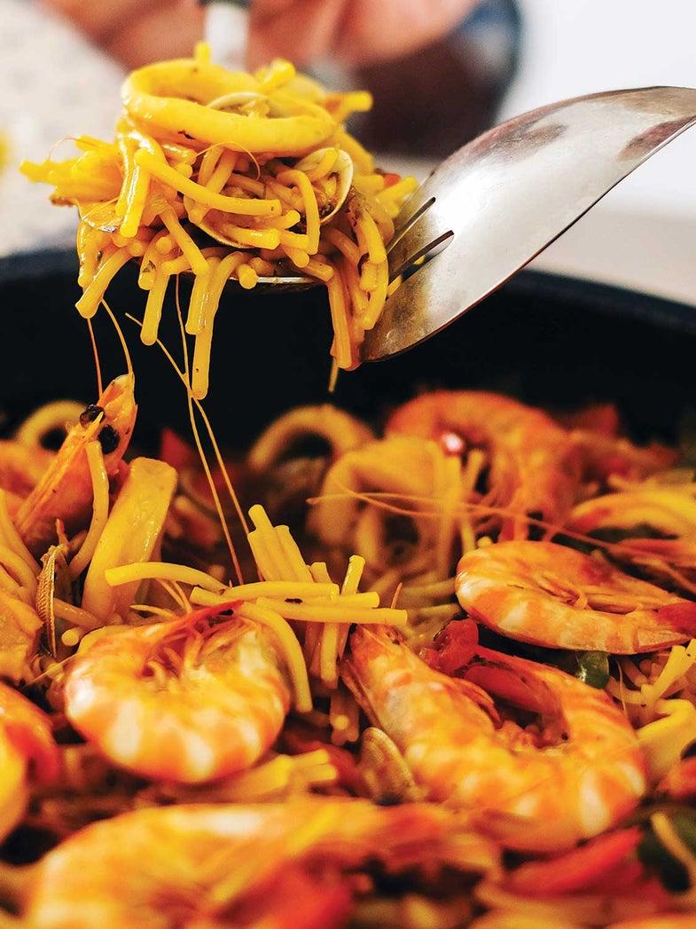 Spanish Vermicelli Noodles with Prawns, Cockles, and Squid (Cazuela de Fideos con Mariscos)