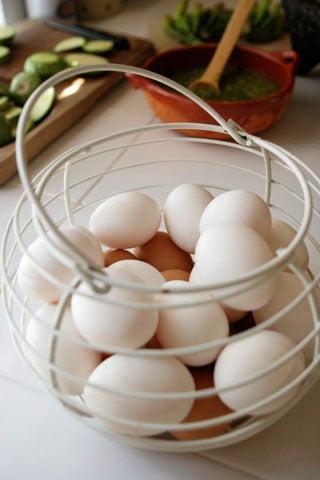 httpswww.saveur.comsitessaveur.comfilesimport2008images2008-03634-laudan_kitchenwise_3.jpg
