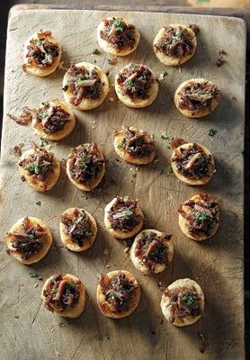 anchovy onion mini tarts