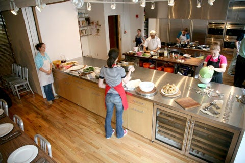 httpswww.saveur.comsitessaveur.comfilesimport2008images2008-08634-test_kitchen_6_480.jpg