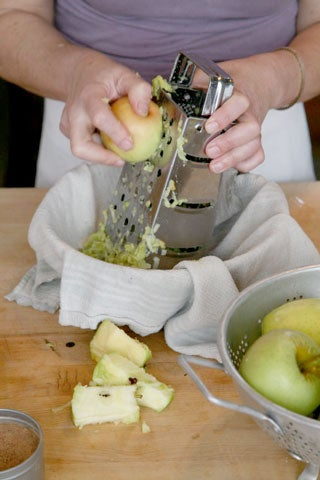 httpswww.saveur.comsitessaveur.comfilesimport2008images2008-07634-spiced_apples_1_480.jpg