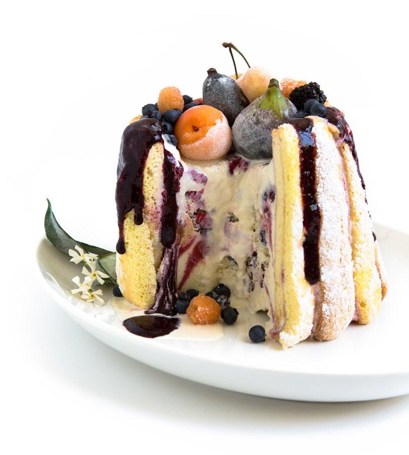 httpswww.saveur.comsitessaveur.comfilesimport20142014-07gallery_birthday-cake-tartine-elisabeth-prueitt_809x898.jpg