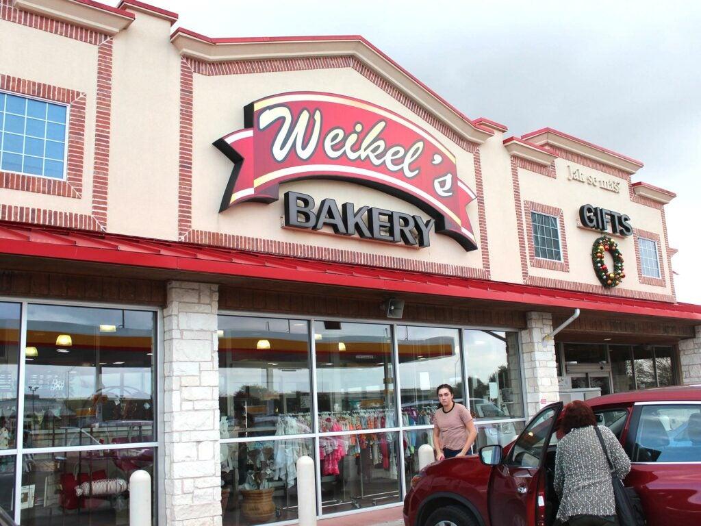 """""""Weikel's"""