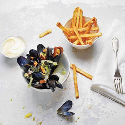 Moules Frites (Steamed Mussels And Fries)