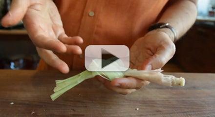 How to Tie a Lemongrass Knot