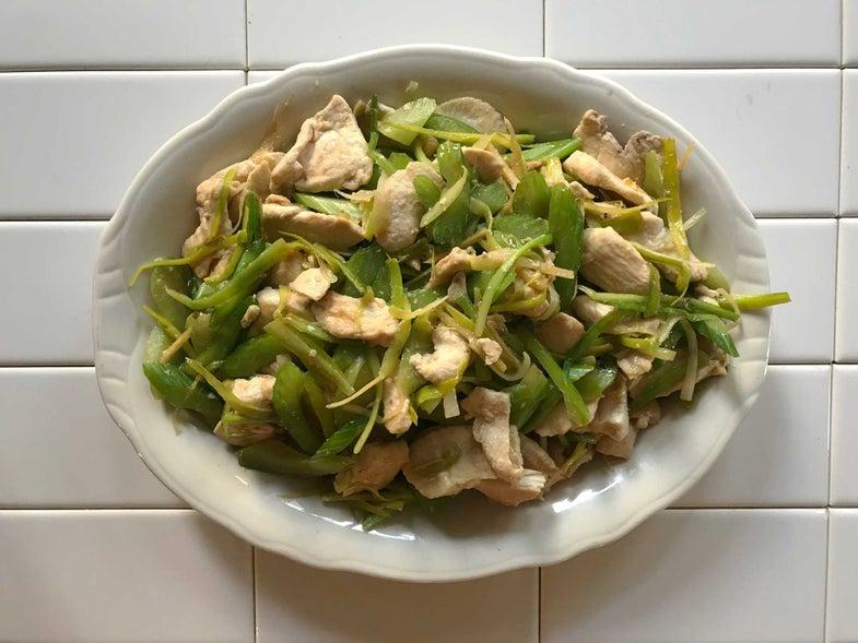 Jirou Chao Qincai (Stir-Fried Chicken with Celery)