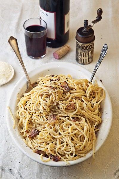 httpswww.saveur.comsitessaveur.comfilesimport2010images2010-03128-spaghetti-alla-carbonara-pasta400.jpg