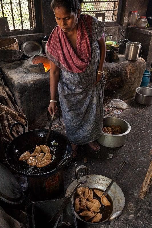 httpswww.saveur.comsitessaveur.comfilesimport20142014-07gallery_mishti-wallah-india_pintus-wife_533x800.jpg
