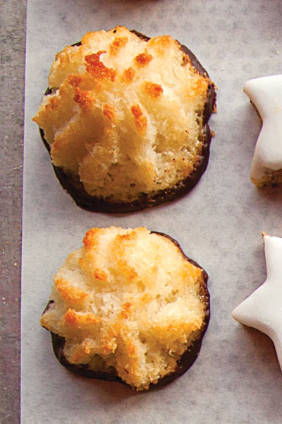 Chocolate-Dipped Coconut Macaroons (Kokosmakronen)