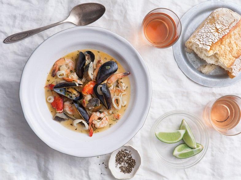Garifuna Style Seafood Soup (Iraü Lau Juyeirugu)