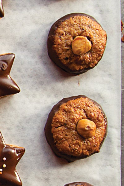 Nusstaler (Chocolate-Dipped Hazelnut Cookies)