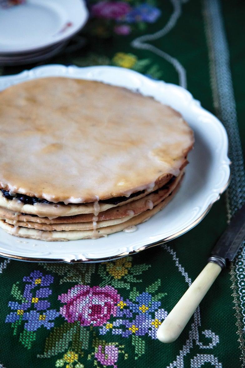 Icelandic shortbread and prune jam layer cake