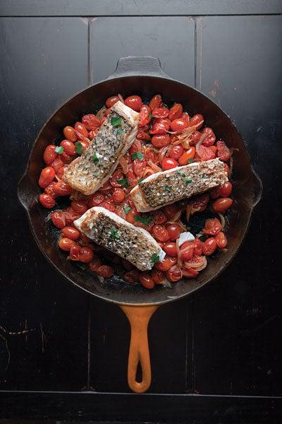 Quick Fish Filets in Tomato Sauce