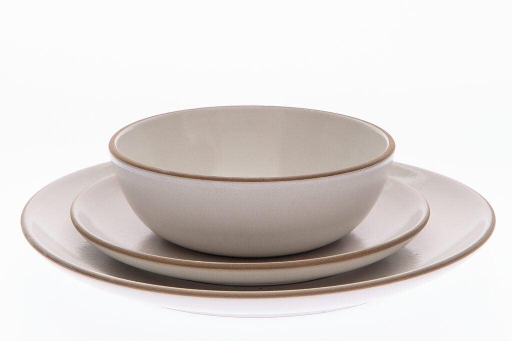 Camellia Opaque ceramic plates