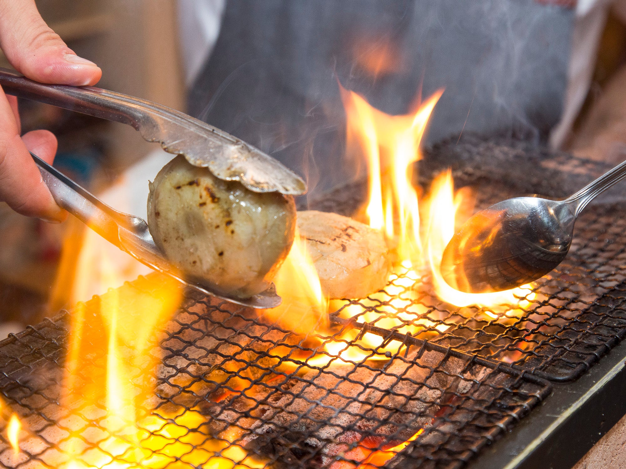 The Wee Little Grill and Charcoal That'll Change the Way You Cook Outside