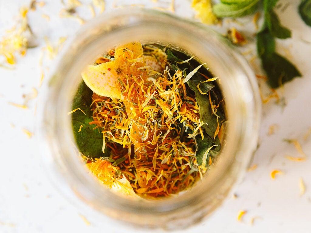 amaro ingredients assembled