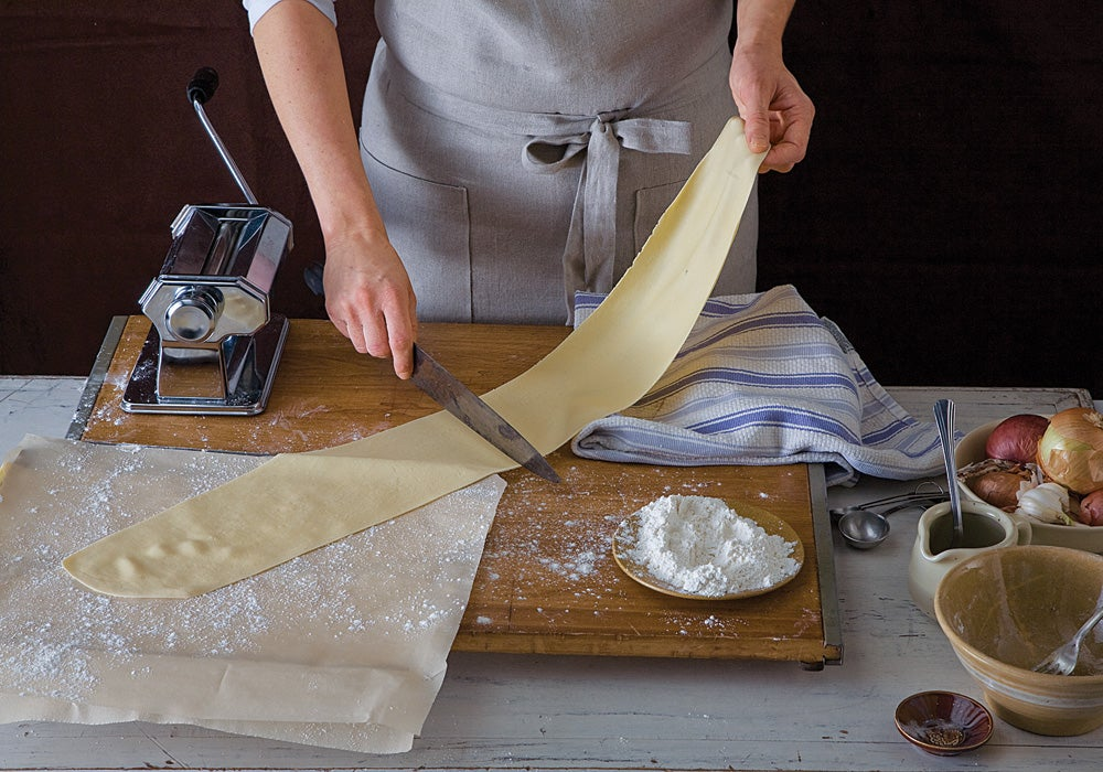 httpswww.saveur.comsitessaveur.comfilesimport2012images2012-107-gallery-tagliatelle-how-to-9-1000×700.jpg