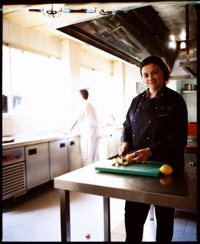 httpswww.saveur.comsitessaveur.comfilesimport2010images2010-127-SV85-Valencia-Matandeto-Chef-400.jpg