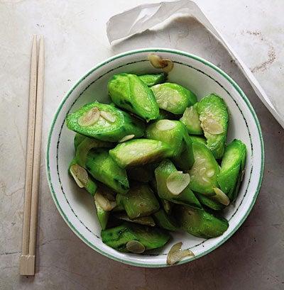 Chao Sigua (Stir-Fried Loofah)