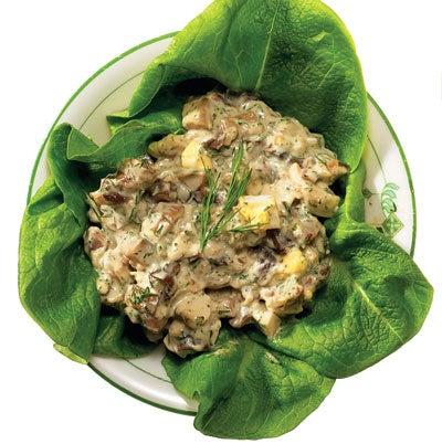 Russian Egg and Mushroom Salad (Salat iz Yaits i Gribov)