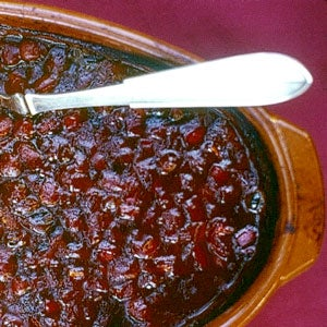 httpswww.saveur.comsitessaveur.comfilesimport2011images2011-037-626-76_hic_house_baked_beans_300.jpg