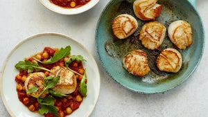 Scallops with Stewed Chickpeas and Tomatoes