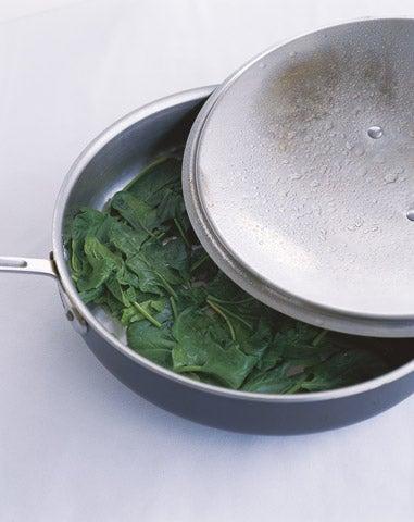 httpswww.saveur.comsitessaveur.comfilesimport2008images2008-0112-spinach_5.jpg