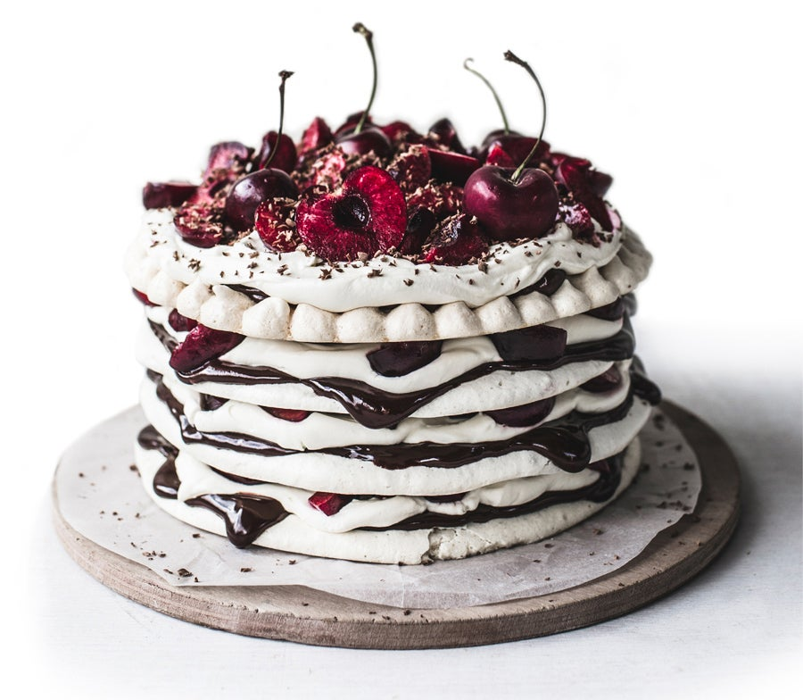 httpswww.saveur.comsitessaveur.comfilesimport20142014-07gallery_birthday-cake-izy-hossack_900x784.jpg