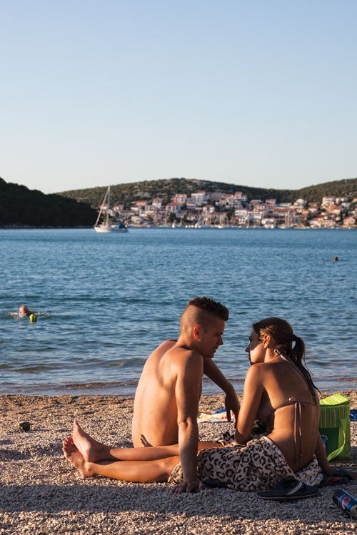 feature-travel-guide-dalmatian-coast-croatia-sunbathers-500x750-i164