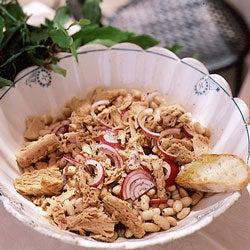 White Bean, Tuna, and Red Onion Salad