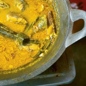 Kare Ikan (Fish Curry with Potatoes)