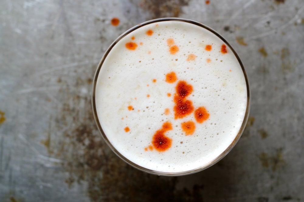 httpswww.saveur.comsitessaveur.comfilesimport2013images2013-037-recipe_whiskey-sour-cocktail_1000x666.jpg