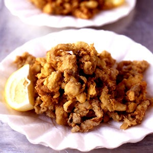 httpswww.saveur.comsitessaveur.comfilesimport2008images2008-08626-43_fried_clams_300.jpg