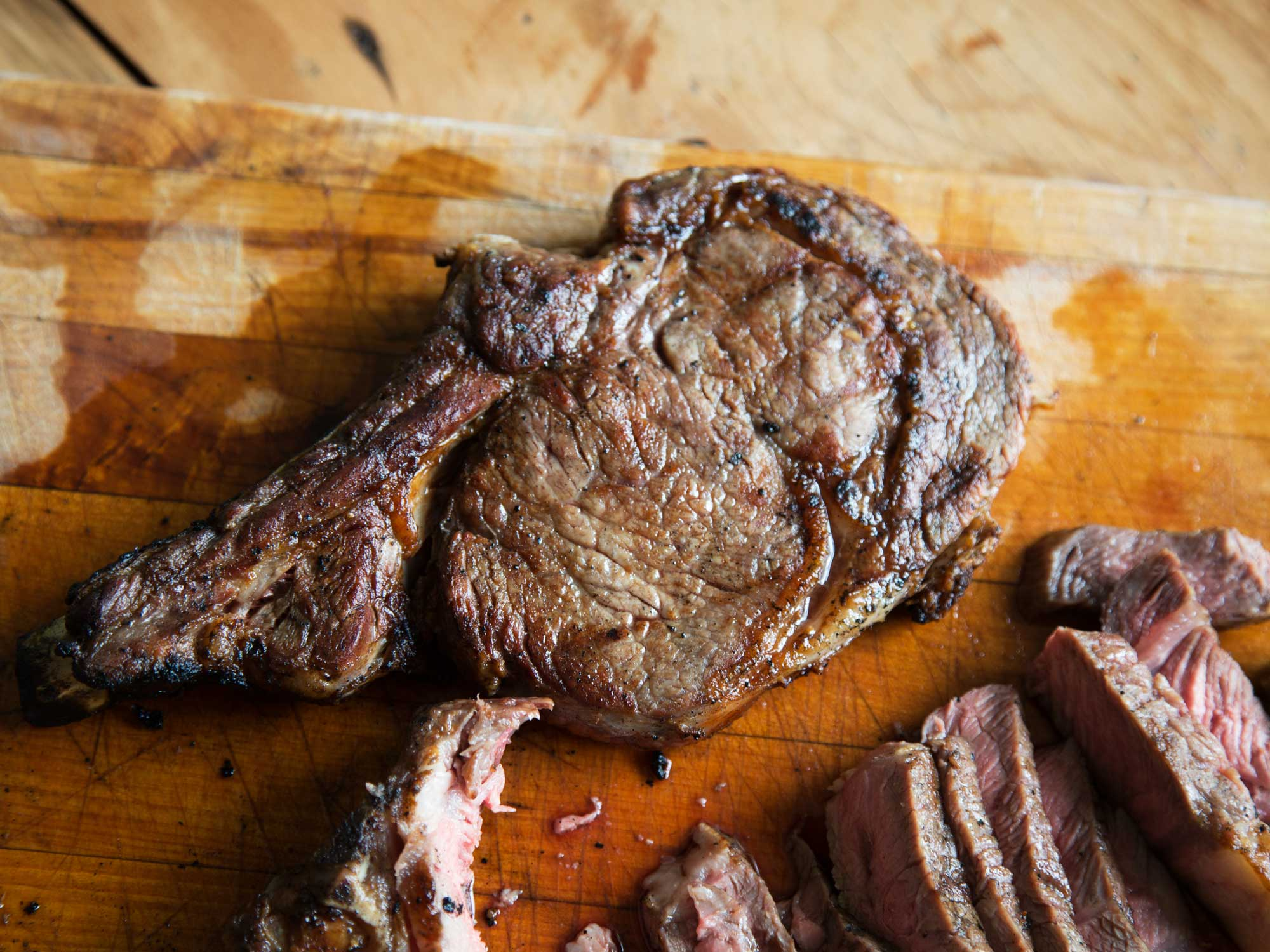 The Science of Grilling the Perfect Steak: Why Wood Smoke Matters