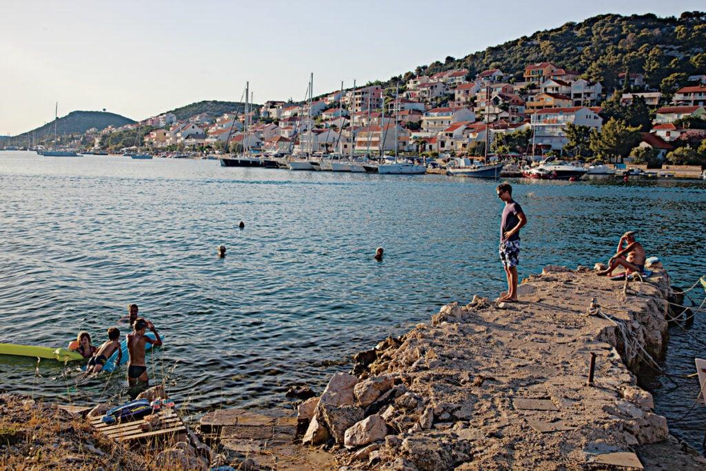 httpswww.saveur.comsitessaveur.comfilesimport20142014-03scenes-from-the-dalamatian-coast-tismo-beach-1200×800-i164.jpg