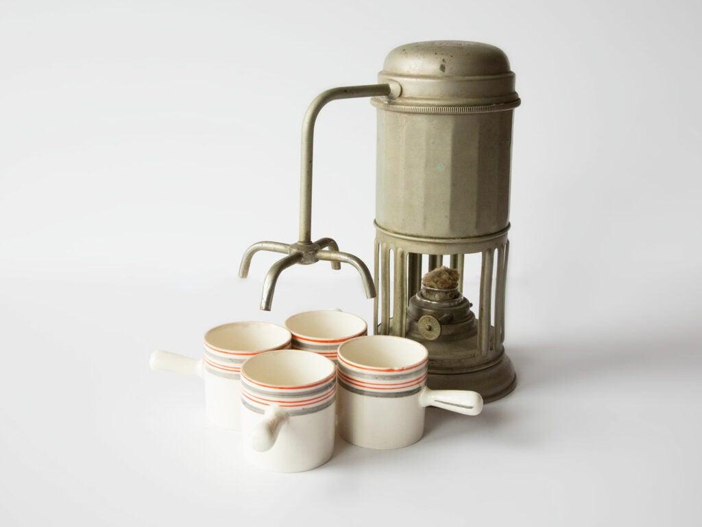 Stella Coffe Pot with Espresso Cups