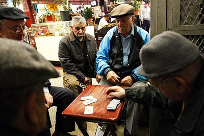 httpswww.saveur.comsitessaveur.comfilesimport2009images2009-125-playing-cards-on-arthur-ave400.jpg