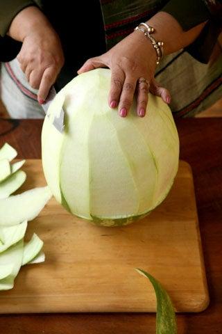 httpswww.saveur.comsitessaveur.comfilesimport2008images2008-07634-thai_watermelon_carving_4_480.jpg