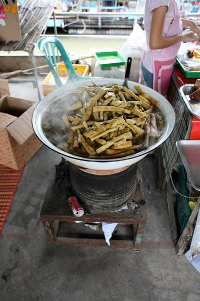 httpswww.saveur.comsitessaveur.comfilesimport2010images2010-067-Bombay_4963.jpg.jpg