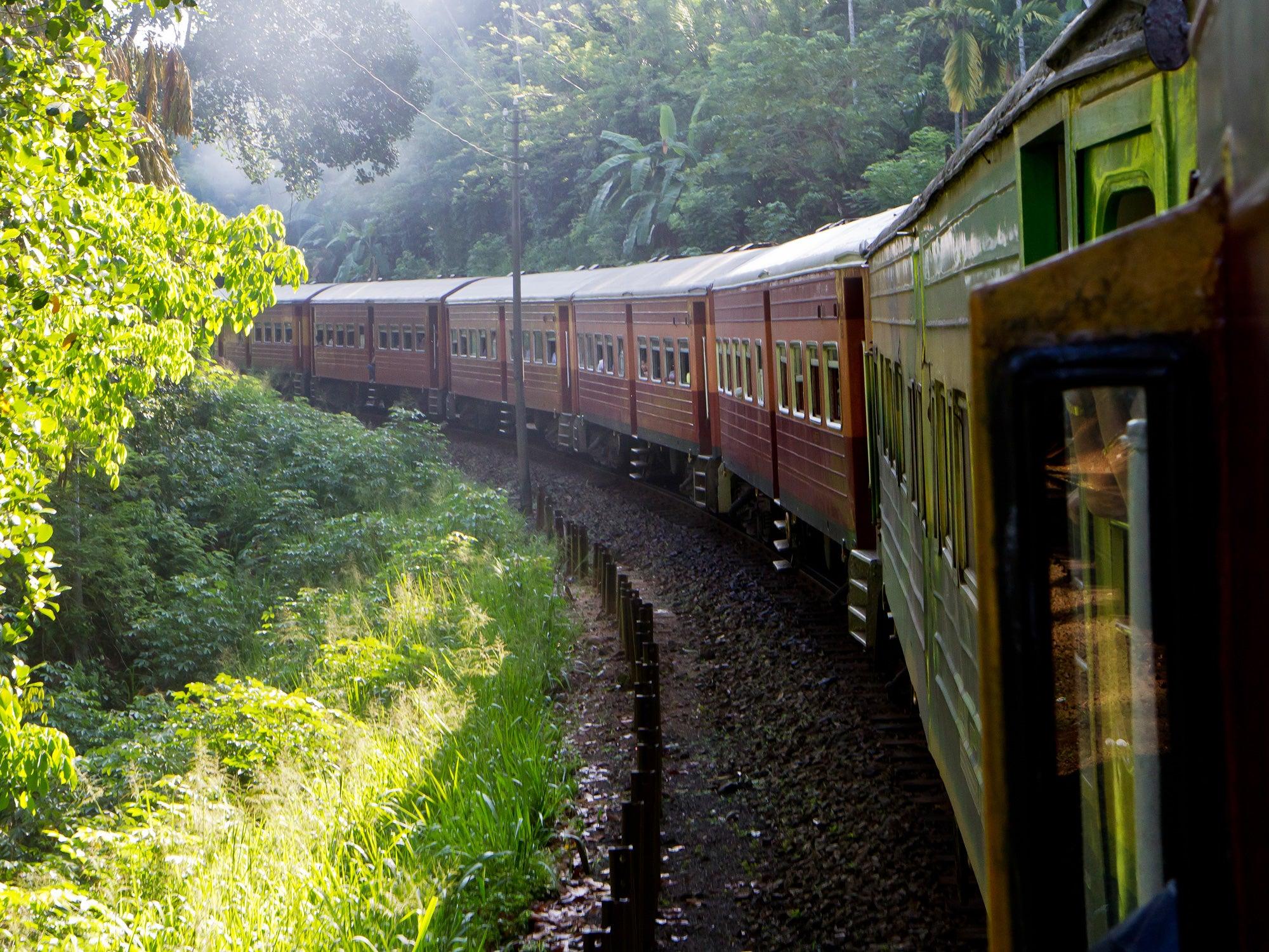 Sri Lanka, Train