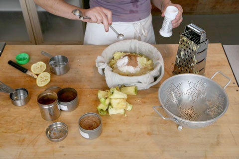 httpswww.saveur.comsitessaveur.comfilesimport2008images2008-07634-spiced_apples_2_480.jpg